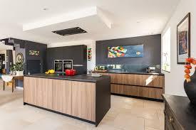 cuisine en bois design cuisine bois design excellent une cuisine amnage bois et