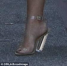 Comfortable Shoes Pregnancy Kim Kardashian U0027s Heel Buckles Under The Strain As Pregnant Star