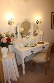Vanity Mirror With Chair Bedroom Curvy Folding Vanity Mirror With White Table Lamp And
