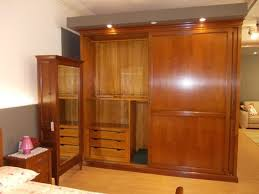 guardaroba ante scorrevoli prezzi armadio 2 ante scorrevoli in legno massello armadi a prezzi
