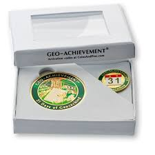 Pinset Set continuous days of geocaching geo achievement geocoin and pin set