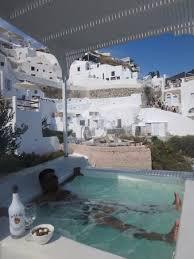 aris caves santorini aris caves prices resort reviews santorini oia greece