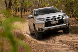 mitsubishi pajero 2017 what suv for towing should i buy