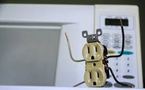 prong stuck in an outlet here u0027s the fix the silicon underground