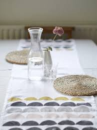 diy table runner ideas diy potato printed table runner projects pinterest potato