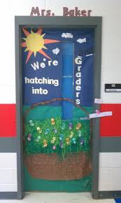 Easter And Spring Door Decorations by 38 Best Easter Bulletin Boards Images On Pinterest Classroom