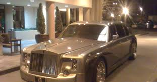 roll royce medan sedan amazing sedan limousine luxury limo service i discovered