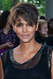 razor cut hairstyles for women over 40 50 best hairstyles for women over 40 herinterest com