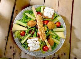 cuisine chasse sur rhone salade suzette picture of restaurant la pataterie chasse sur rhone