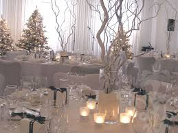 Table Centerpieces For Christmas Wedding by Best 25 Fake Snow Wedding Ideas On Pinterest Winter Parties