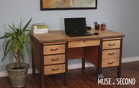 bureau bois de moderniser un meuble en bois 4 bureau de travail la muse du