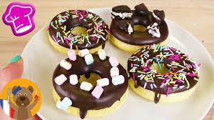 donuts hervé cuisine donuts avec glaçage au chocolat délicieux donuts qui sortent du