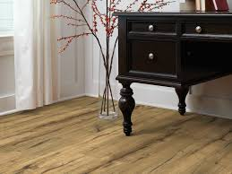 Highland Hickory Laminate Flooring Laminate Flooring Wood Laminate Floors Shaw Floors