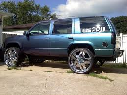 nissan titan on 28s 1999 chevrolet tahoe information and photos zombiedrive