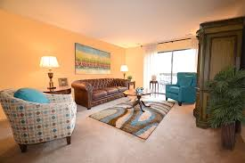 2 Bedroom Apartments For Rent In Maryland The Lakes Rentals Cockeysville Md Apartments Com