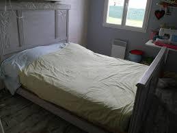 repeindre chambre repeindre une chambre source d inspiration repeindre lit avec une