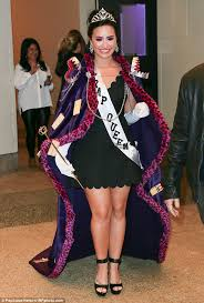 King Queen Halloween Costumes Demi Lovato Channels Prom Queen Fun Tv Appearance