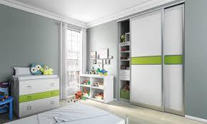 placard chambre enfant porte de placard accorder ses façades dans une chambre enfant
