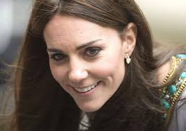 kate middleton diamond earrings kate dazzles in 2 200 diamond earrings
