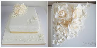 goldene hochzeitstorten hochzeitstorten goldene hochzeit kuchen 1987654 weddbook