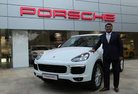 suv porsche 2015 2015 porsche cayenne launched at inr 1 02 crores