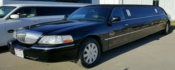 lincoln town car 2017 black lincoln towncar u2013 limo and party bus limousine service