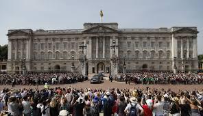 queen elizabeth ii to get 10 million more in official funding