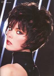 1980s short wavy hairstyles women s hairstyles and looks of the 1980s