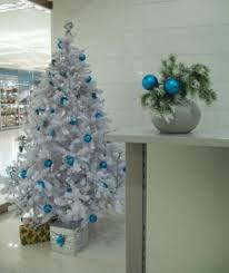 Blue Christmas Tree Decorations Ideas by Blue Christmas Tree Decorating Ideas Adding Cool Elegance To