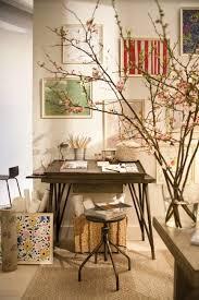 chambre dans un arbre design d intérieur chambre artiste vue decoration branches arbre