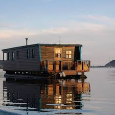 airbnb houseboats these 50 airbnb houseboats are like living in a floating tiny house