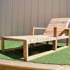 chaise longue palette bain de soleil en bois de palettes recyclé meubles et rangements
