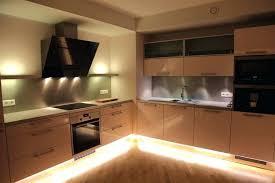 eclairage plan de travail cuisine castorama luminaire plan de travail cuisine copyright eclairage plan de