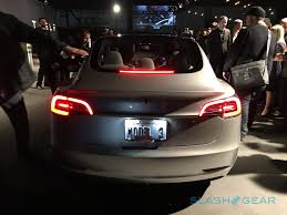 tesla inside roof i tried the tesla model 3 here u0027s what you need to know slashgear