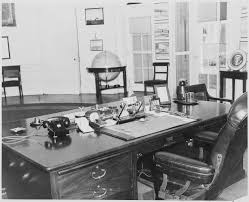 file photograph of objects on president truman u0027s desk in the oval