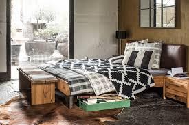 Wohnzimmer Und Schlafzimmer Kombinieren Funvit Com Schwarze Möbel Design