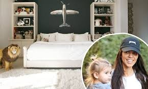 kourtney kardashian bedroom kourtney kardashian shows off reign s bedroom daily mail online