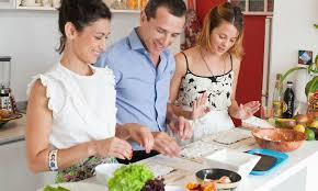 cours cuisine divonne cours de sushi et maki de 2h30 coulisses gourmandes fr groupon