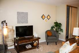 before and after staging apartment staging for photoshoot room flow