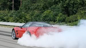 corvette zr1 burnout corvette zr1 does epic burnouts we proof autoblog