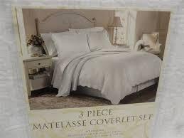Grey Matelasse Coverlet Best 25 Coverlet Bedding Ideas On Pinterest Bedding Master