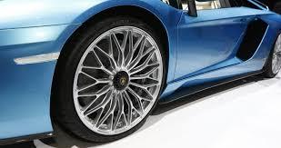ảnh thực tế lamborghini aventador s roadster vừa ra mắt