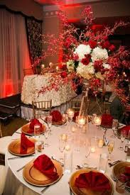 red and white table decorations for a wedding hakemia and bradford jackson a glamorous red and white beach wedding