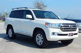 cars made by toyota which toyota land cruiser is the best toyota land cruiser