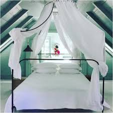 Schlafzimmer Ideen Himmelbett Interessant Schlafzimmer Mit Dachschräge Ideen Lapazca