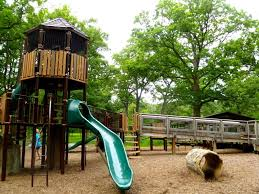 halloween city mchenry il top 5 best playgrounds in lake county il