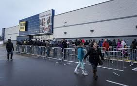 some stores opening on thanksgiving many others staying closed wane