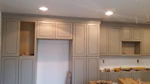 how to do crown molding on kitchen cabinets crown molding on kitchen cabinets
