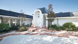 Elvis Presley Home by Elvis U0027s Former Home Hits The Market For 30 Million Real Estate