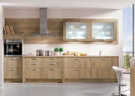 cuisine chene clair moderne cuisine chene massif moderne maison design bahbe com